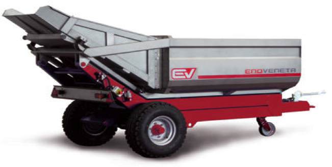 REAR TIPPING TRAILER WITH VIBRATING DISCHARGE